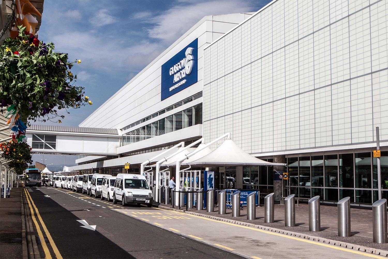 Glasgow airport forecourt