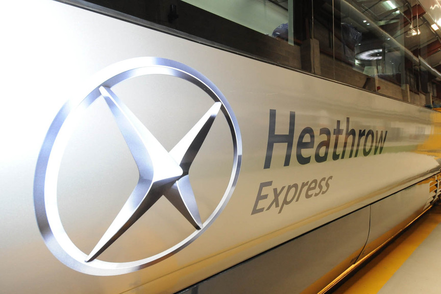 Heathrow Express passengers pictured on lines after power failure