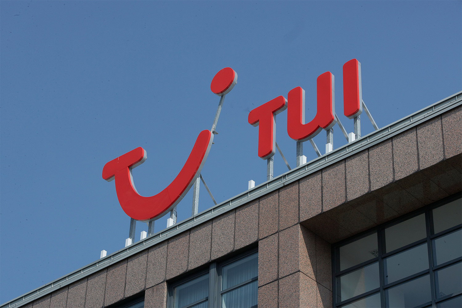 Jobs under threat as Tui plans to close Coventry office