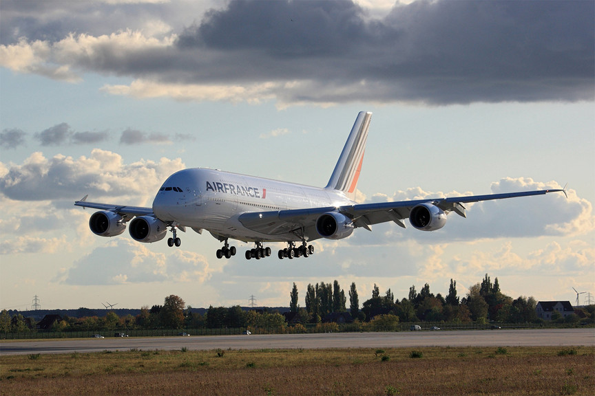 Air France-KLM takes €70m hit after Paris attacks