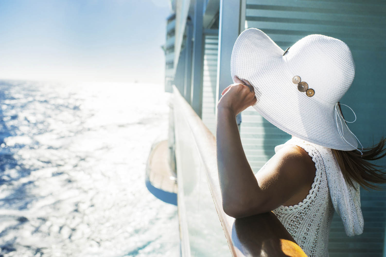 Cruise lines are courting agents again. Will the romance last?