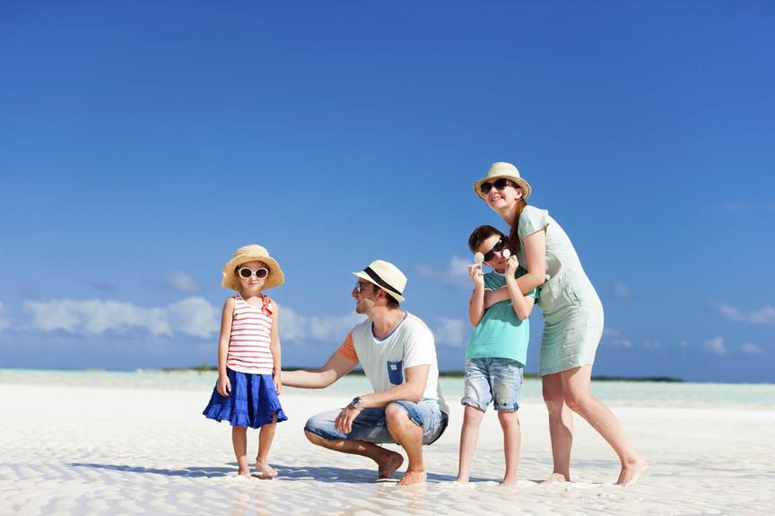 Family holiday - beach (stock)