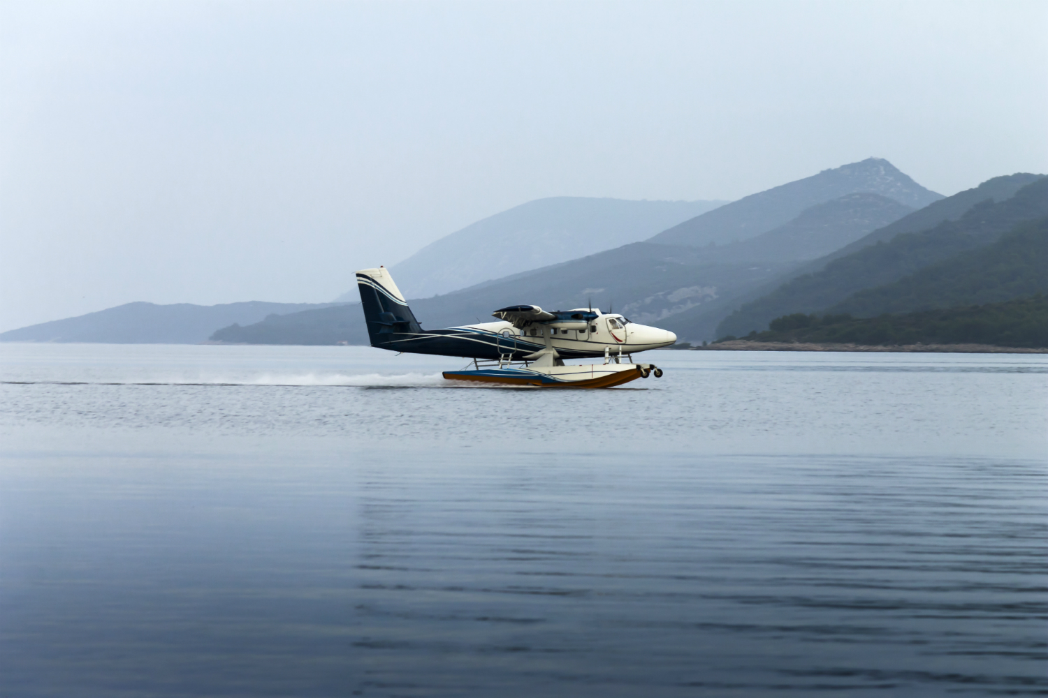 Four British tourists among dead in Canada seaplane crash