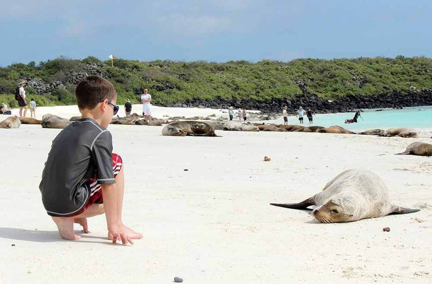 G Adventures welcomes Galapagos plastics ban