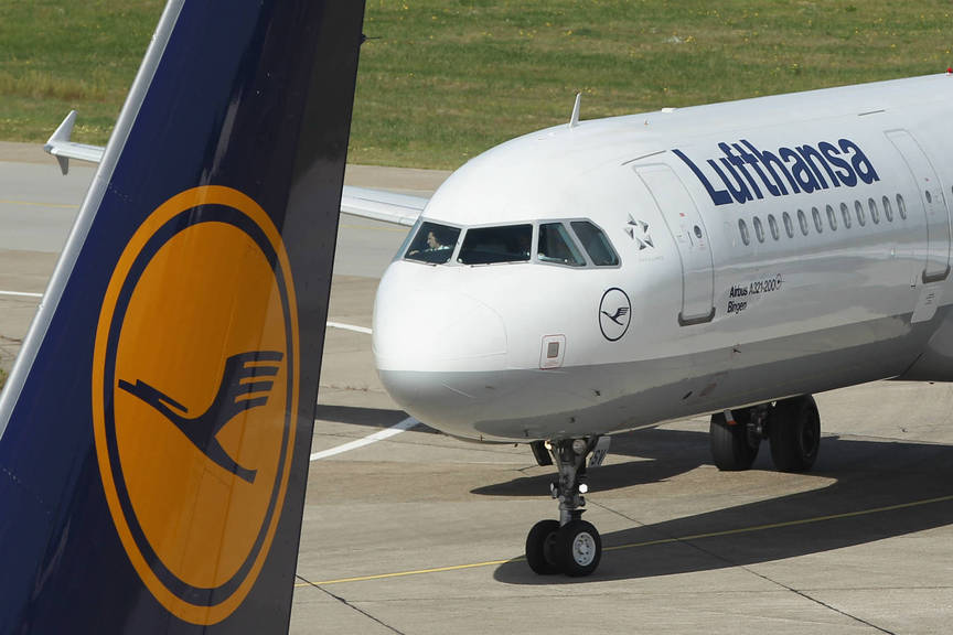 Lufthansa's quarterly earnings dented by European price war