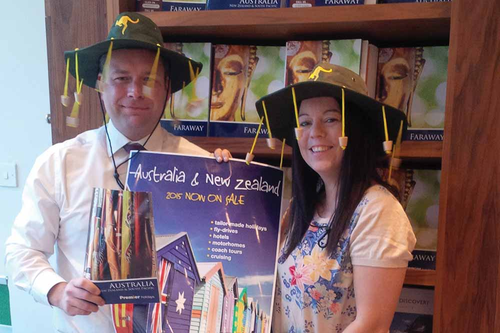 Carly-with-Lee-Hunt-of-Debden-Travel---Australia-brochure-launch-november-2014.jpg