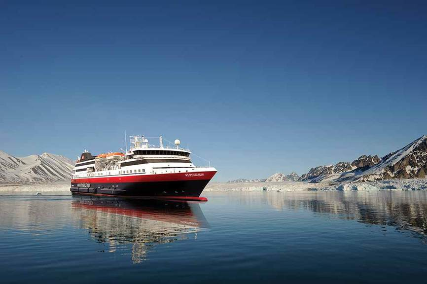 Hurtigruten launches new charter flights for winter sailings