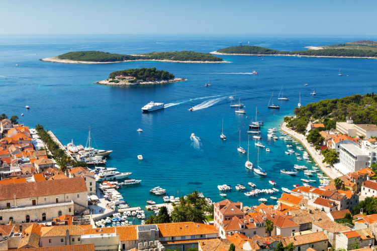 Croatia to prioritise vaccination of frontline tourism workers