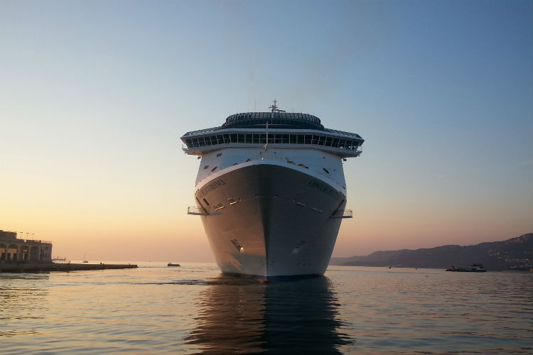 Luxury cruisers planning to 'downsize' to smaller ships