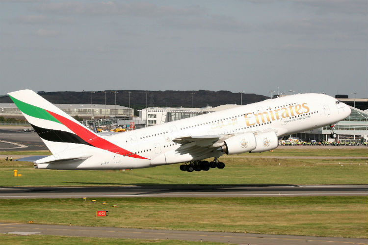 Emirates offers laptop-handling service for US flights