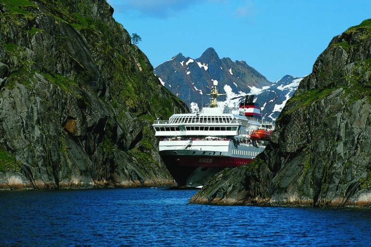 A full accompaniment of seven ships will operate for voyages between Bergen and Kirkenes from next month
