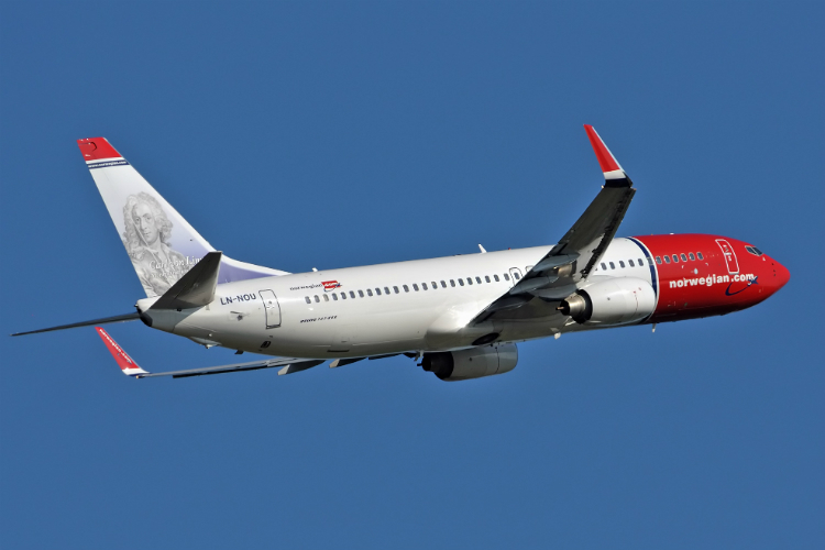 Norwegian reports record annual profit