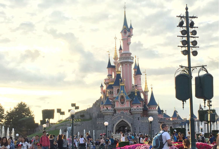 'No injuries' following Disneyland Paris 'stampede'