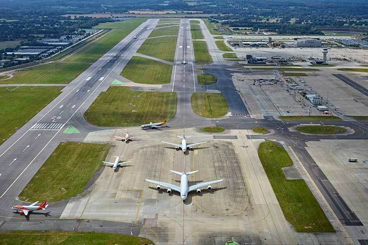 GATWICK Aerial view of runway