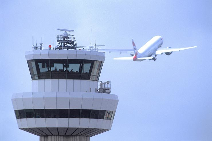 Gatwick control tower with aircraft 11111