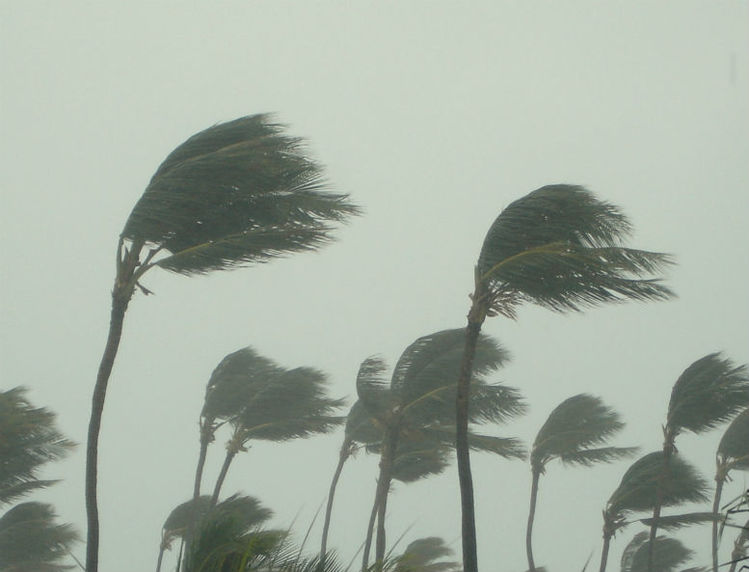 Warning issued as cyclone approaches Fiji