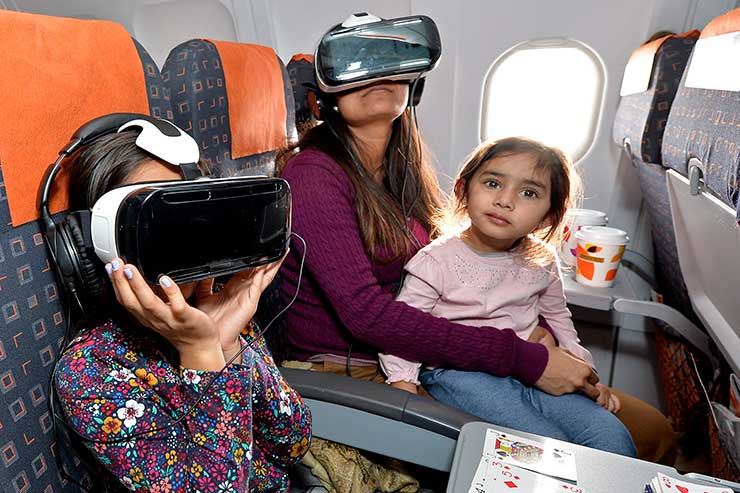 EasyJet passengers take a 360° journey with Ewan McGregor and Unicef