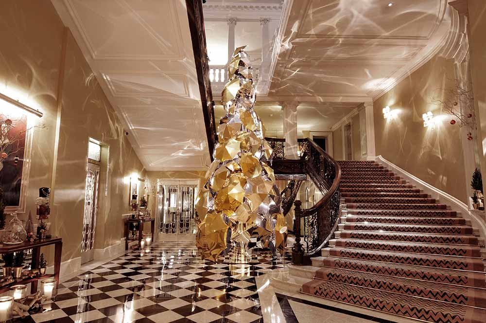 Apple designer to create Claridge's Christmas tree