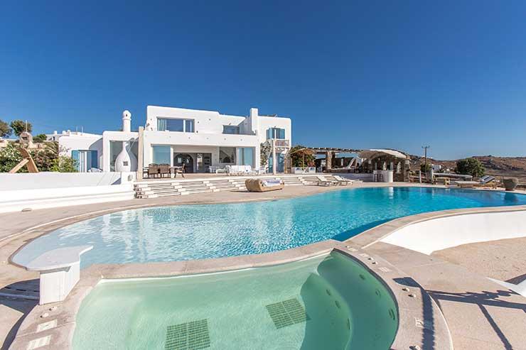 The Zarassi Estate Mykonos