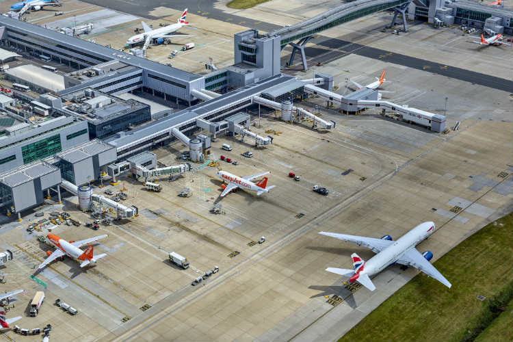 Gatwick to test new ways of boarding aircraft