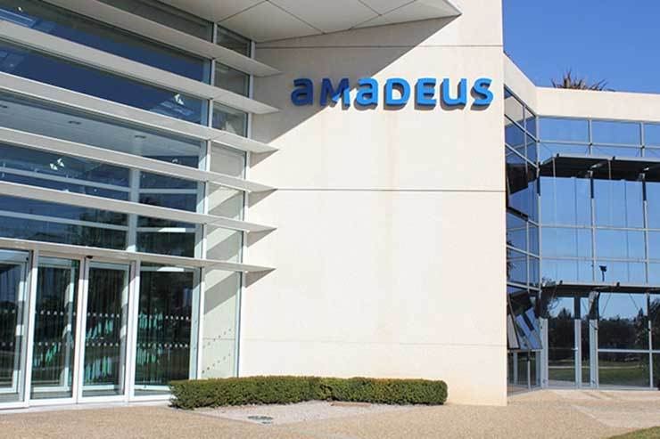 Amadeus partners with Booking.com