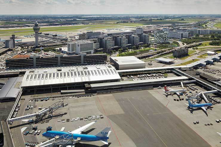 Iata 'misses open goal' with slot ruling