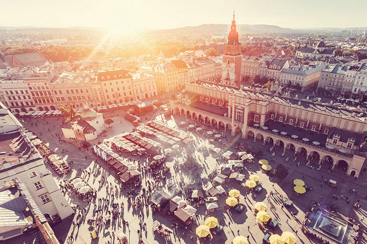 Czech Republic closes borders to UK tourists