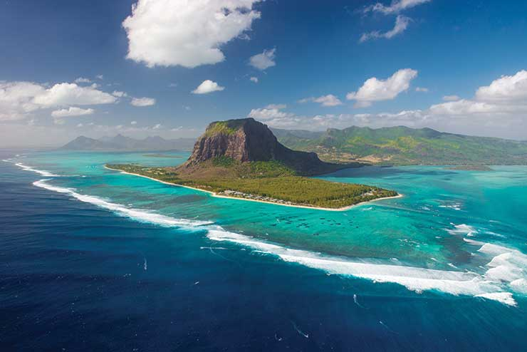 Mauritius outlines 14-day ban on UK visitors