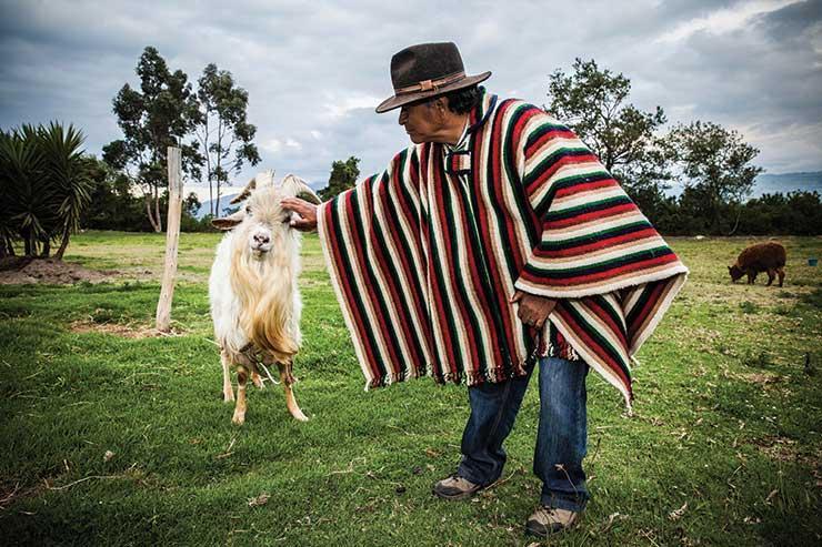 Meeting the locals with Tren Ecuador