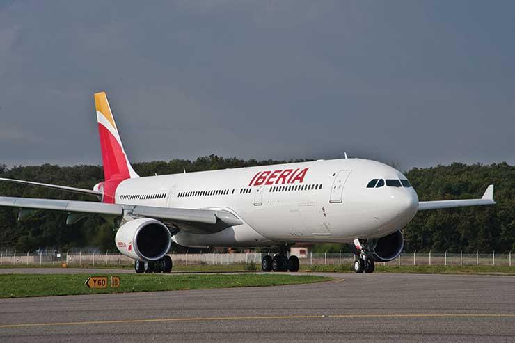 Iberia jet taxiing