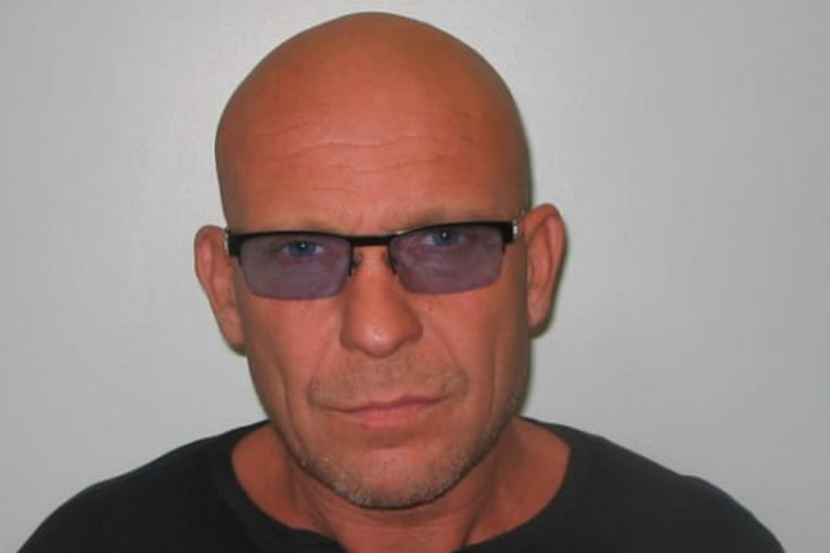 Bogus agent jailed for £80,000 holidays scam