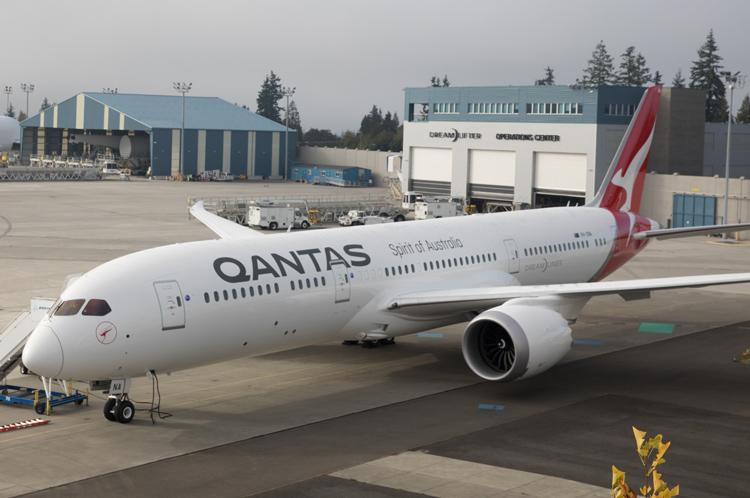 Qantas receives first Dreamliner destined for non-stop London route