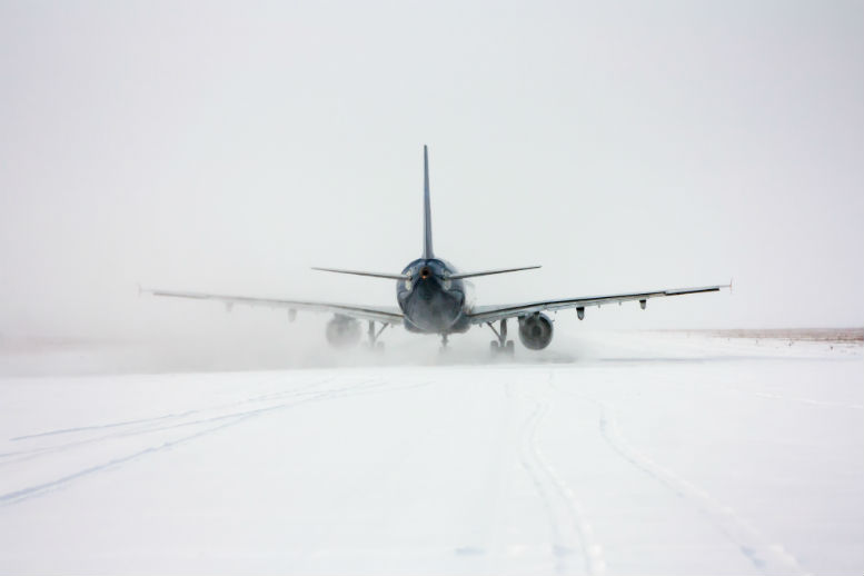 Snow forces Liverpool and Manchester runway closures