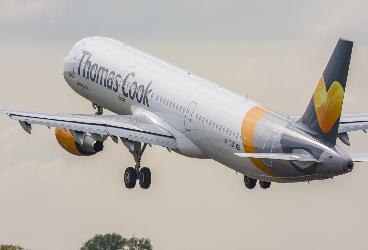 Thomas Cook adds extra aircraft to Gatwick fleet