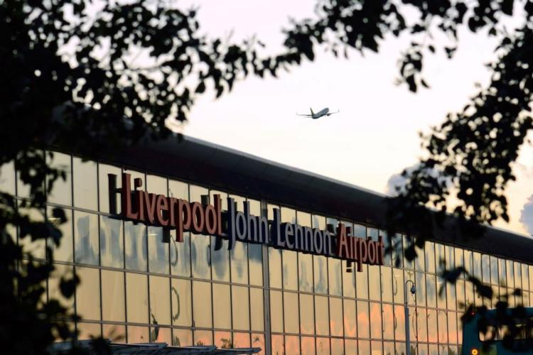 Liverpool airport baggage handlers suspend planned strike action