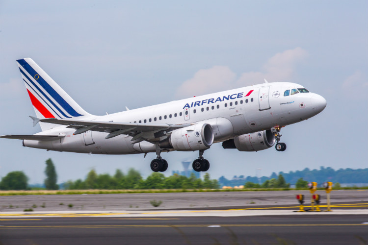 Air France to fly in Notre-Dame reconstruction teams for free
