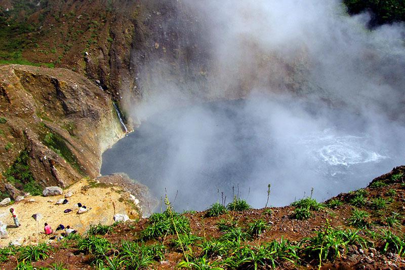 boiling-lake.jpg