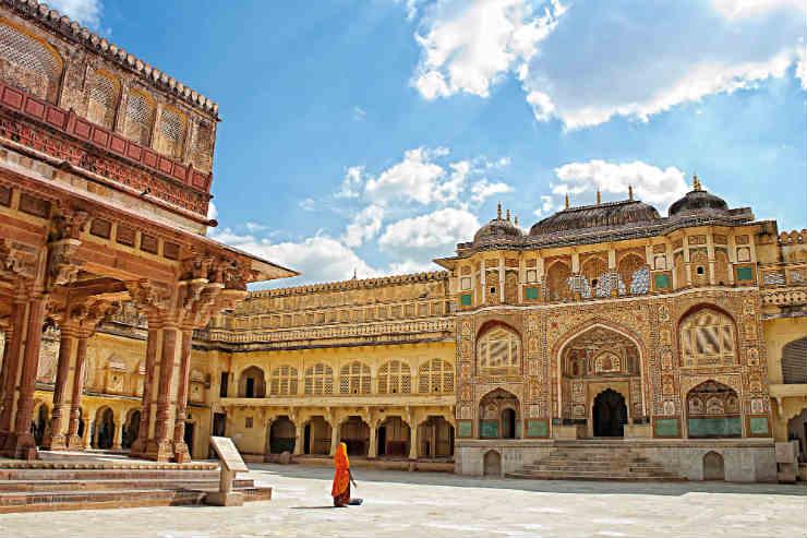 Amber Fort Jaipur India.jpg