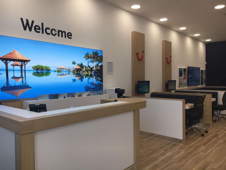 Tui yet to turn page on printed brochures