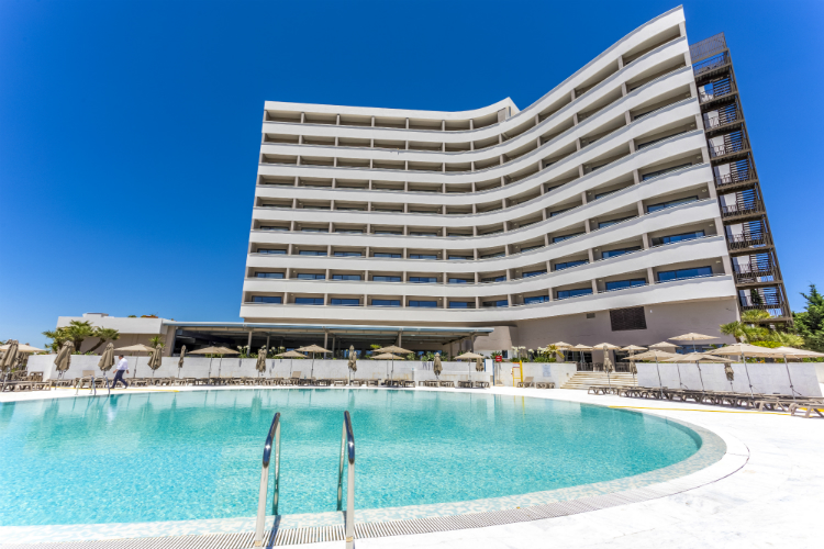 Jet2holidays confirms Portugal hotel open for business after refurb delay