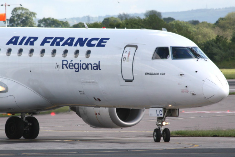 Warning over flights disruption during French strikes