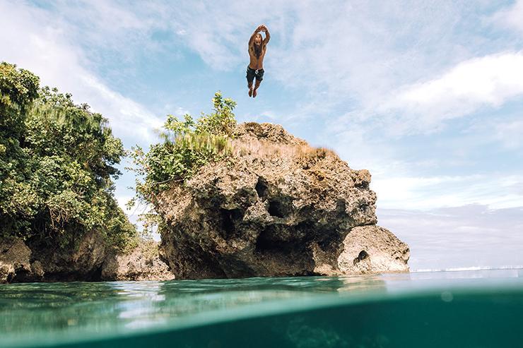 Philippines Siargao diver.jpg