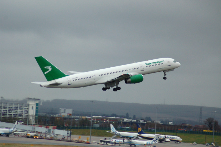 Turkmenistan Airlines restores UK flights using alternative carrier