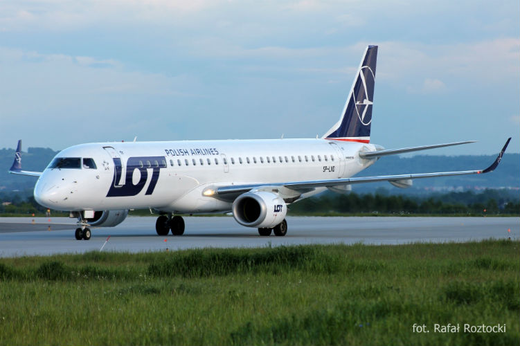LOT launches London-Budapest route; plans Vilnius service