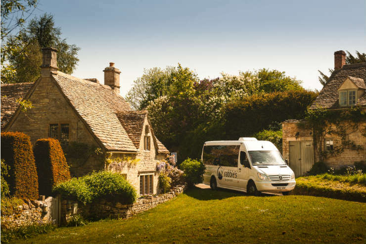 Rabbies tour bus in the Cotswolds