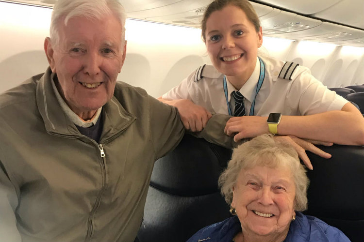 Heartwarming moment Tui pilot welcomes own grandparents onboard