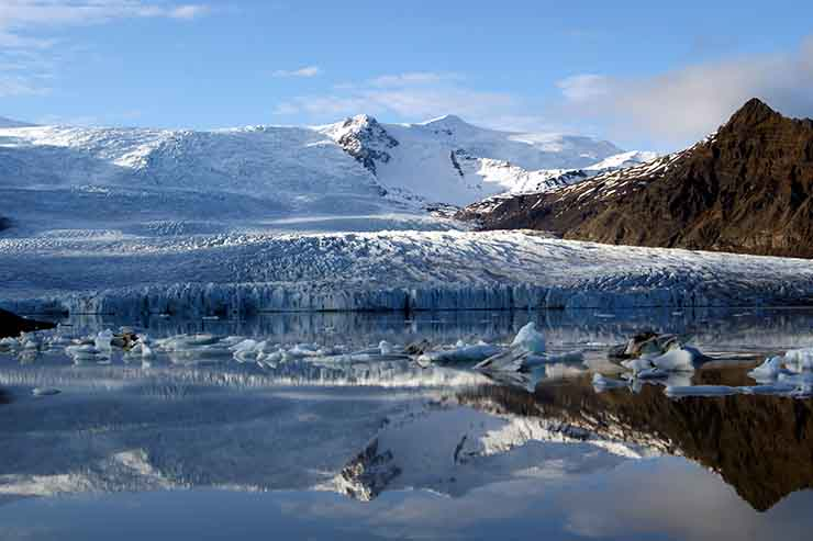 3. Land of Volcanoes & Glaciers
