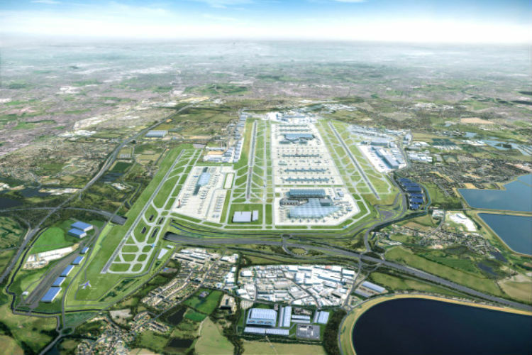 Heathrow: Transport secretary to assess expansion plans