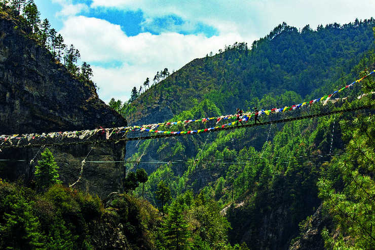 Nepal Phakding Hiking Suspension Bridge - T4A6414 Lg RGB.jpg