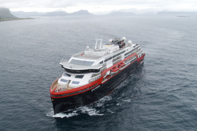 Hurtigruten debuts first hybrid cruise ship Roald Amundsen